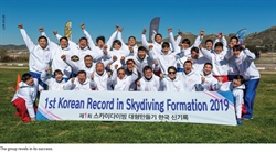 Jumpers Set Korean Large-Formation Record